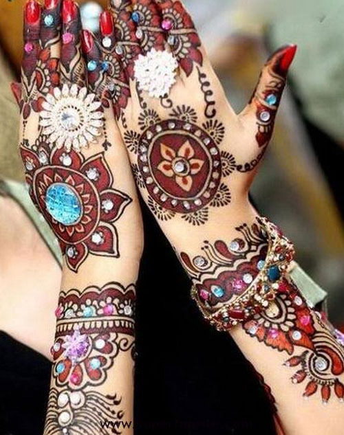 Stunning Mehndi Designs With beads