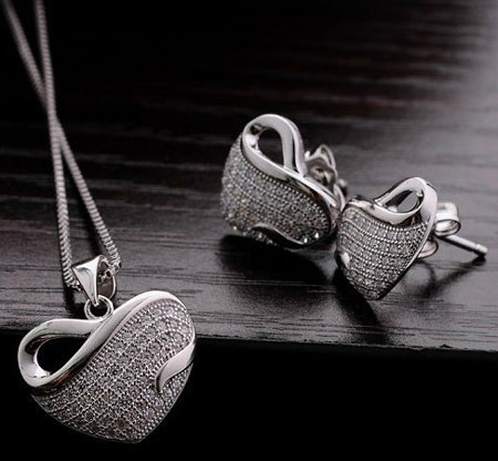 White Gold Plated Heart-Necklace Earrings Make With AU Crystal Set Wholesale Fashion