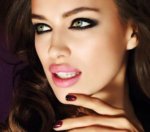 Christmas Party Makeup Tips That will Make You Look Great