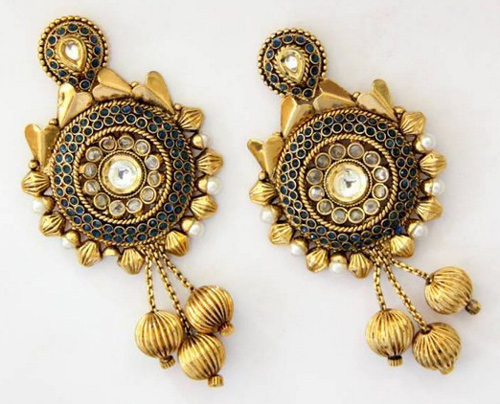 Mariam-Sikander-Earring-Designs-2014-For-Women-0012