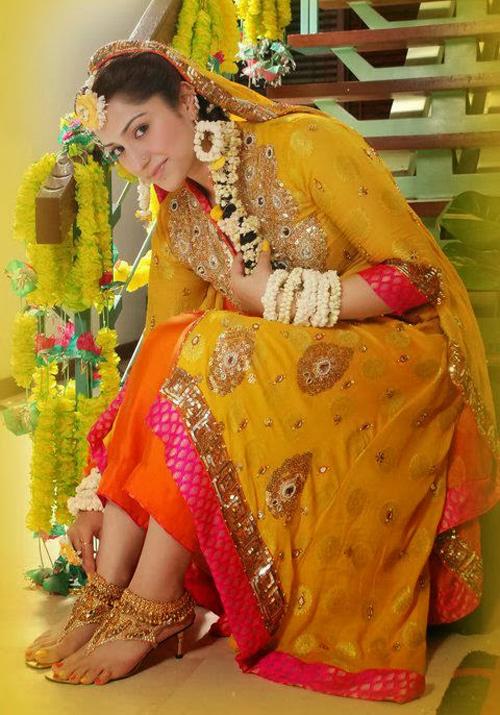 Pakistani-Mehndi-Dresses-20