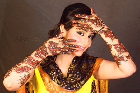 Exclusive-Eid-ul-Azha-Chand-Raat-Mehndi-Designs-2013-for-Girls-71