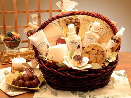 New Year Gift Ideas for Wife | Shanila's Corner