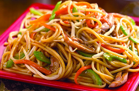 Chicken Chowmein by Shireen Anwar