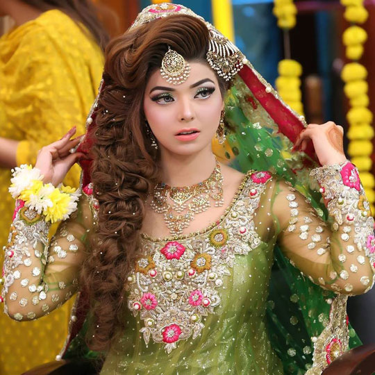 Bridal Mehndi Makeup 2017