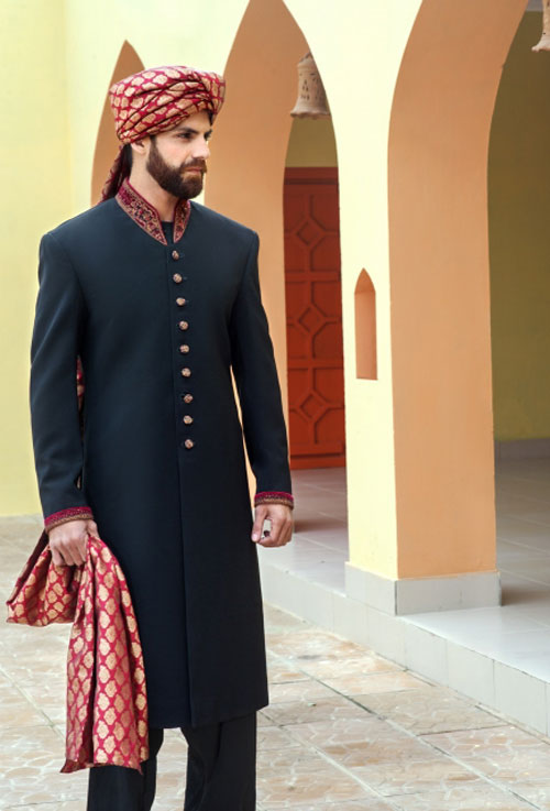 Groom Designer Sherwani And Kulla Style